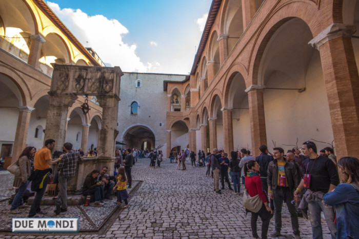 Cortile_Rocca_Spoleto_Due_Mondi_News-4