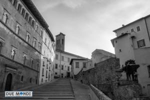 Scalinata_Duomo_BN_Spoleto-1