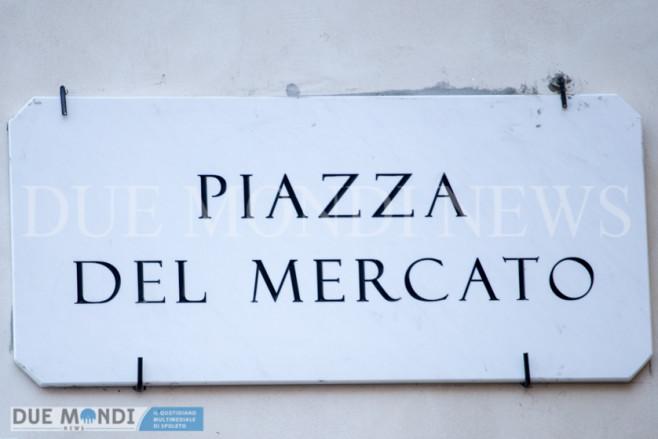 Piazza_del_Mercato-1