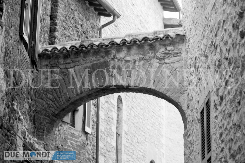 Vicolo_della_Basilica-11