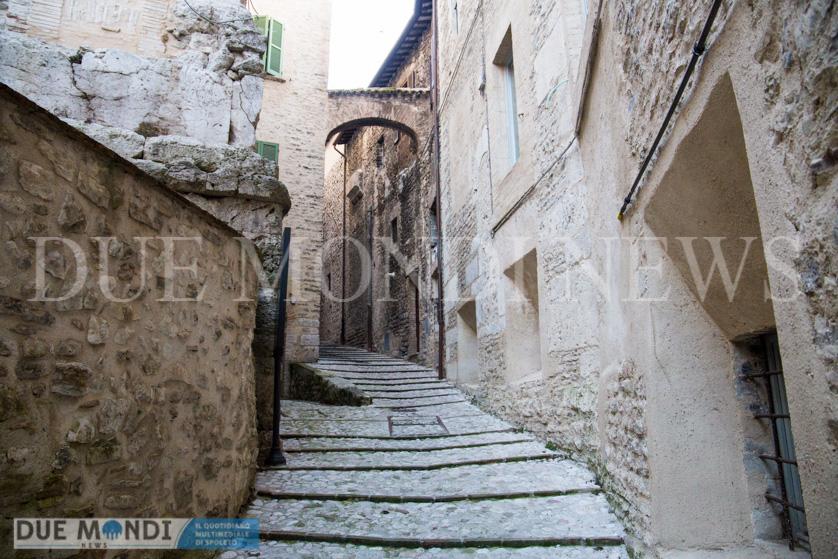 Vicolo_della_Basilica-2