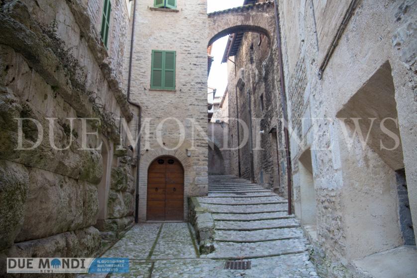 Vicolo_della_Basilica-3