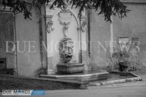 Fontana_del_Mascherone-2