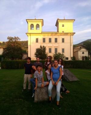 Foto in Villa Redenta_Da sinistra Riccardo Fazi, Maria Elena Fusacchia, Filippo Perocco, Claudia Sorace, Daniela Nineva, Maria Chiara Grilli, Livia Rado e Emanuela Sgarlata