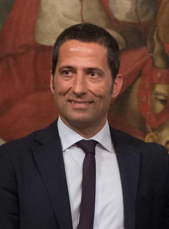 1536244500463_Sottosegretario_Gianluca_Vacca